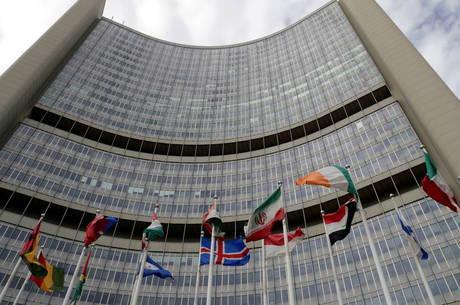 Europeus tentam resolver acordo nuclear com Irã