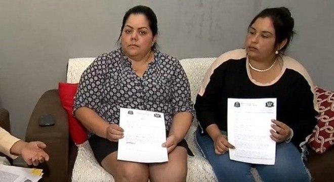 Mães das vítimas mostram boletins de ocorrência em casos de abuso