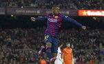 Estreia com apenas 17 anosFormado no Barcelona, o craque estreou na La Liga com apenas 17 anos em uma vitória sobre o Granada. Hispano-malinês entrou no lugar de Neymar, um dos craques da equipe na época