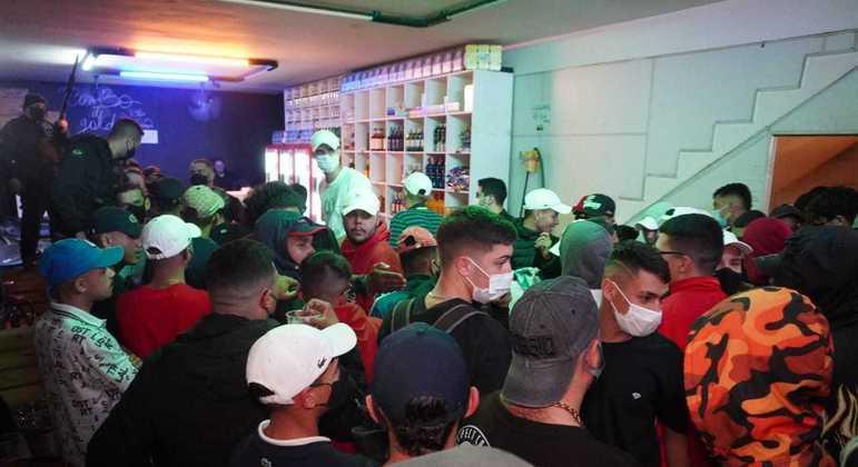 Adega reunia mais de 170 pessoas aglomeradas na zona leste de São Paulo