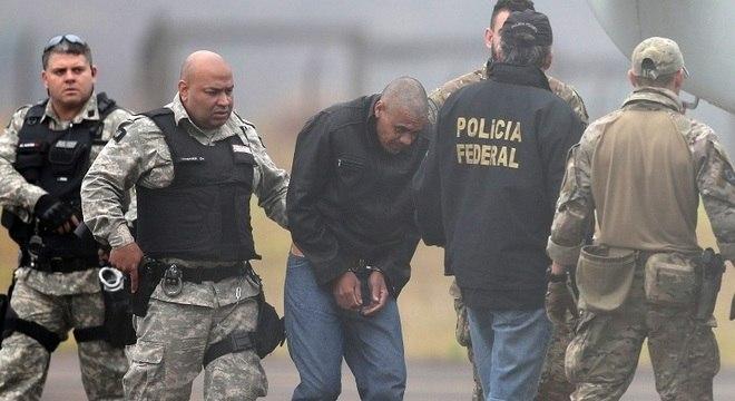 Adélio foi transferido na manhã deste sábado para presídio federal no MS
