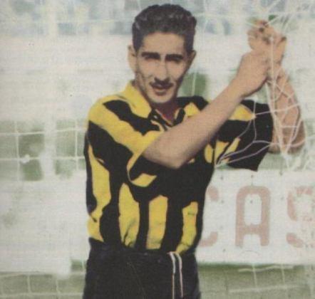Ademir Menezes talvez tivesse reconhecimento mundial se não fosse o personagem desta foto: Ghiggia, uruguaio que decretou o Maracanazo.