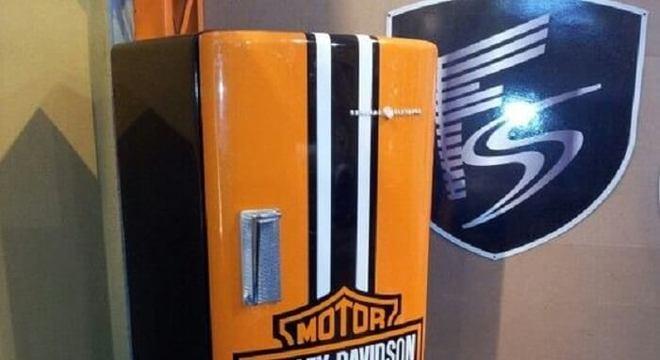 Adesivo criativo da Harley Davidson para geladeira preta