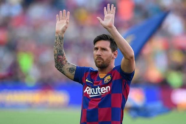 ADEUS, BARCELONA - Desde 2003 defendendo a camisa do Barcelona, Lionel Messi, de 33 anos, promete ser o principal personagem da janela de transferências internacionais. Além disso é um tapa na cara do presidente do Barça, Josep Bartomeu, apontado por muitos na imprensa espanhola como o pior presidente da história do clube.