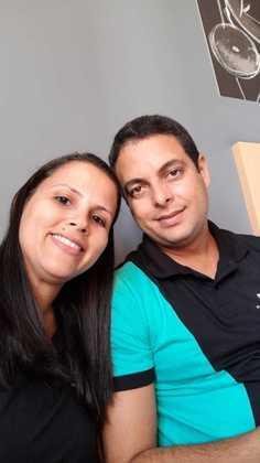 DIA DOS NAMORADOS:  Adilaine Nogueira da Silva e Leandro Dias Nascimento são donos de uma franquia Sofá Novo de Novo