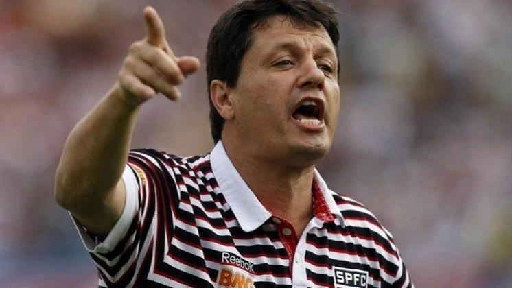 Adilson Batista (2011) - Não teve uma boa passagem pelo São Paulo. Comandou o clube por 22 jogos, com sete vitórias, nove empates e seis derrotas.