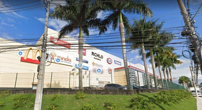 Adolescente fez uma funcionária refém dentro do Parque Shopping Barueri, na zona oeste de SP