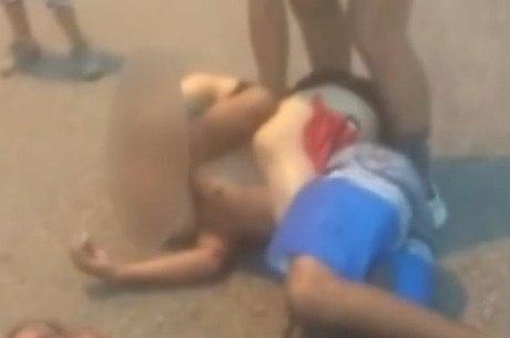 Mulher aparece imobilizando assaltante em vídeo