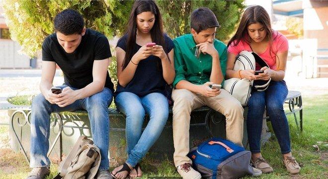 Smartphones fornecem cronograma inconsistente de estímulos - o que pode tornar difícil colocá-los de lado