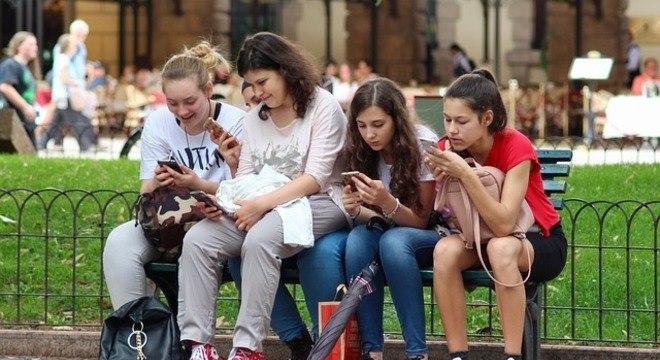 Estudo foi feito com jovens de 15 a 19 anos de escolas públicas e privadas de Vitória (ES)