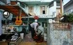 Música: a banca do vendedor de antiguidades José Manoel Santana, na rua Major Diogo, que inspirou o compositor Adoniran Barbosa a criar a canção sobrre o bairro, em São Paulo, (SP).(São Paulo, SP, 20.04.2007. Foto de Tuca Vieira/Folhapress - Digital)