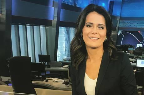 """Adriana Araújo apresenta o """"Repórter Record Investigação"""""""