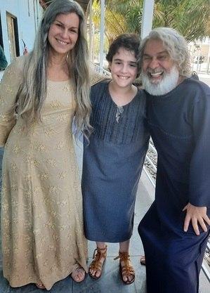 "Adriana Garambone, Dani Gutto e Zécarlos Machado nos bastidores de ""Gênesis"""