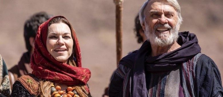 Adriana Garambone e Zécarlos Machado interpretam Sara e Abraão, respectivamente, em Gênesis