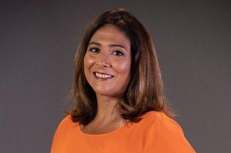 Repórter Adriana Rezende