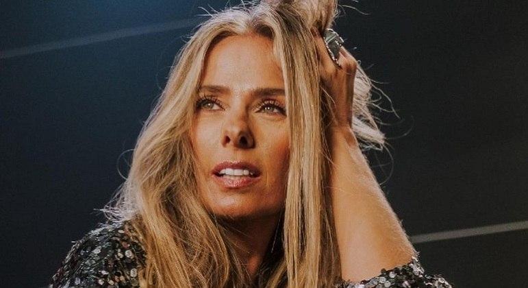"""Adriane Galisteu está cotada para apresentar o """"Power Couple"""" na Record"""