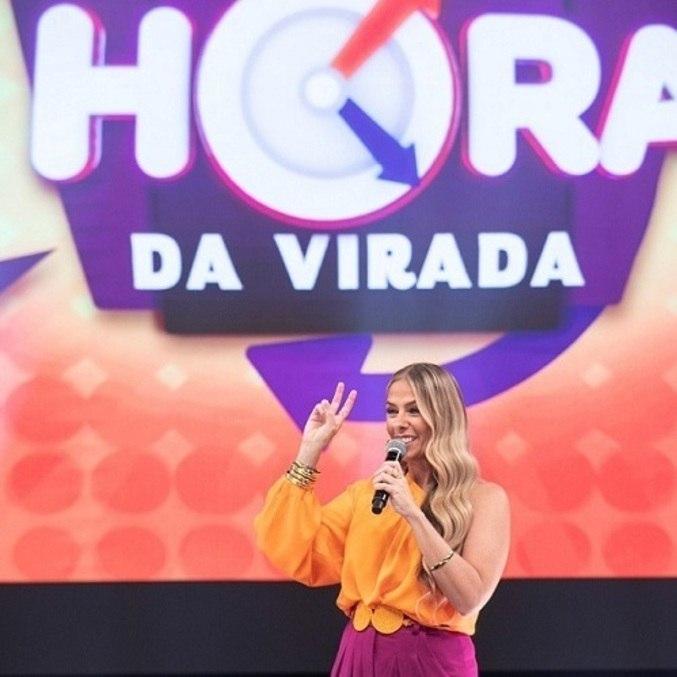 """Adriane Galisteu comanda """"Hora do Faro"""" neste domingo(18)"""