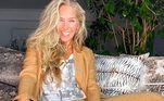 Adriane Galisteu está em festa. Neste domingo (18), ela completa 48 anos. Dona de uma extensa carreira na televisão, a apresentadora agora se prepara para estrear no comando da 5ª edição do Power Couple Brasil, na Record TV. Para celebrar a data, veja 7 curiosidades da trajetória pessoal e profissional da artista