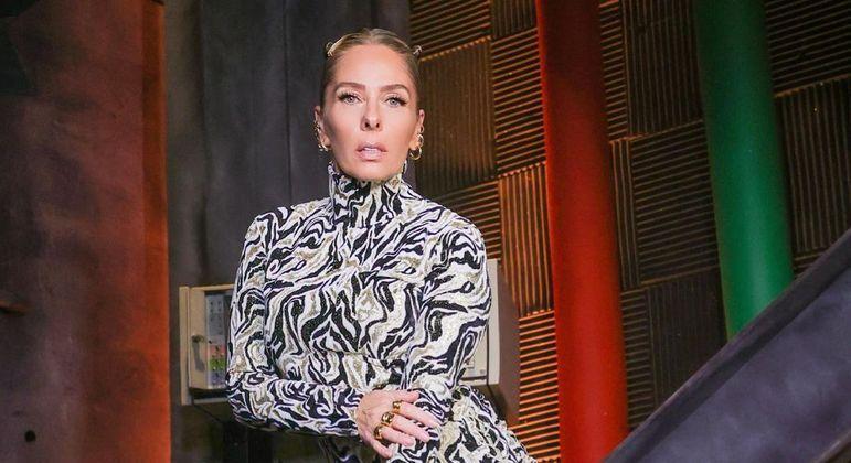 Programa comandado por Adriane Galisteu é sucesso de audiência e crítica