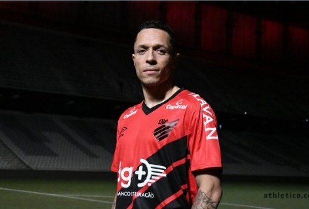 Adriano (Athletico-PR) - Contrato válido até 31 de dezembro de 2020.