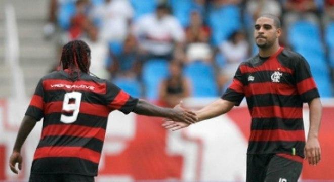 Vagner Love e Adriano: dupla não funciona