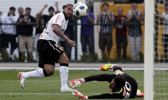 Adriano Imperador foi contratado em 2011 pelo Corinthians, como mais uma aquisição de impacto. Sofreu com lesão e problemas extracampo, atuando oito vezes e fazendo dois gols.