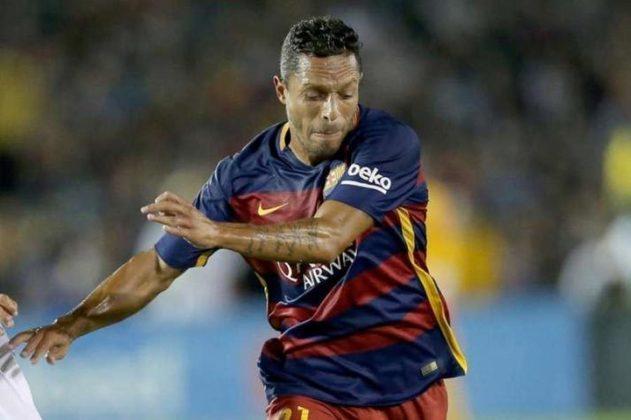 Adriano, que chegou a jogar pelo Athletico, venceu duas vezes a Liga dos Campeões no Barcelona.
