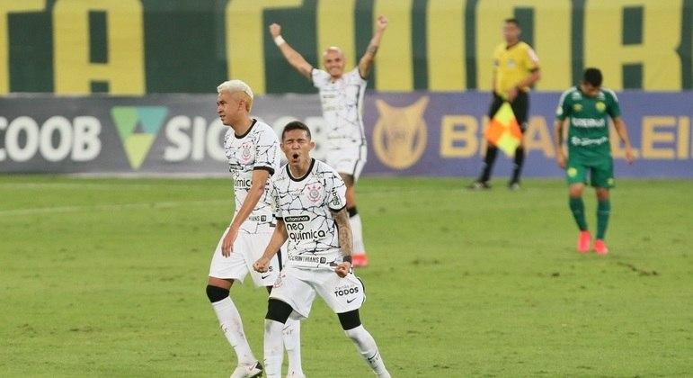 O jovem Adson fez um gol e deu uma assistência em vitória do Corinthians