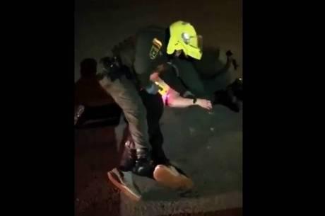 Vídeo mostra uso constante do taser contra  Ordoñez