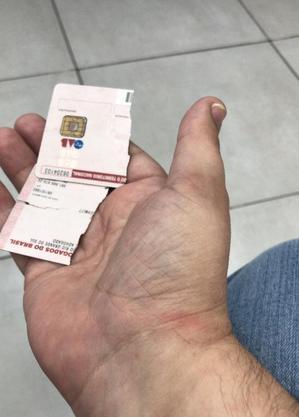 Carteirinha da OAB foi quebrada por policial