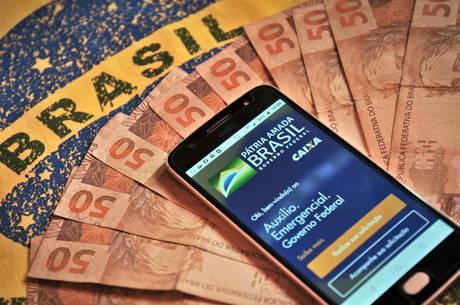 Dinheiro já pode ser movimentado pelo app Caixa Tem