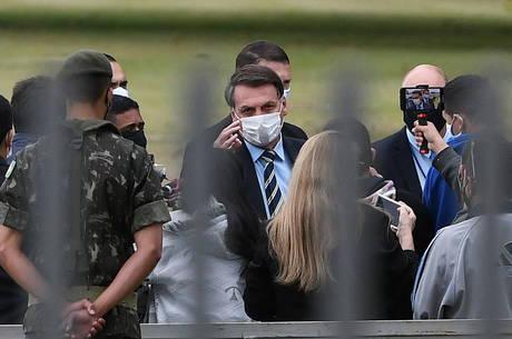 Presidente se encontrou com apoiadores em Brasília