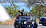 O presidente Jair Bolsonaro desfilou a bordo de um Rolls Royce nas comemorações do Dia da Independência do Brasil nesta segunda-feira (7) em Brasília.
