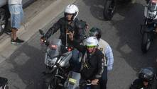 Bolsonaro reúne apoiadores em passeio de moto pelo Rio de Janeiro