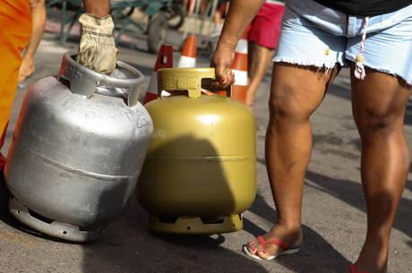 Conforme a Petrobras, aumento desta quinta-feira (3) é  equivalente a R$ 1,61 por botijão de gás de 13 quilos