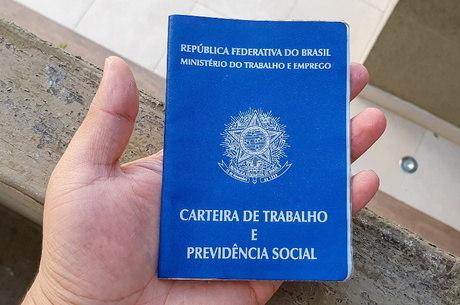 Brasil tinha 82,3 milhões de empregados no período