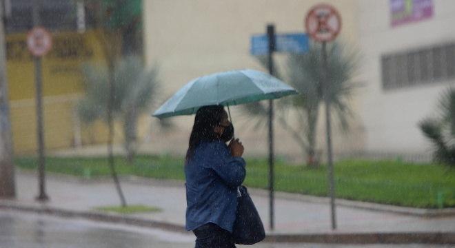 Chuvas mais fortes devem acontecer nos finais de tarde