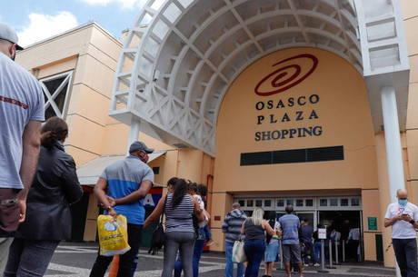 Ontem, comércio e shoppings reabriram na Grande SP