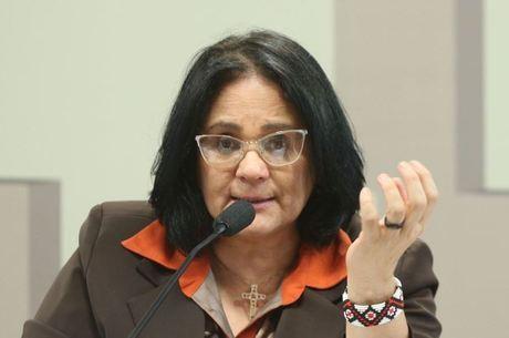 Ministra comemora nova lei sobre drogas