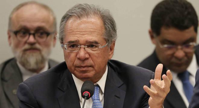 Guedes cancela ida à reunião anual do FMI em Washington