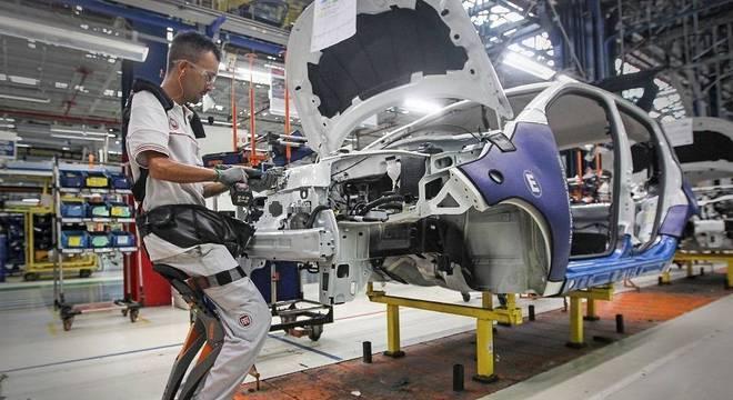 Indústria avançou 0,4% no 3º trimestre, ficando atrás de agropecuária e serviços
