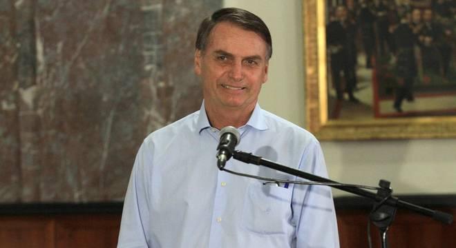 Bolsonaro exigiu que cubanos recebessem salário integral