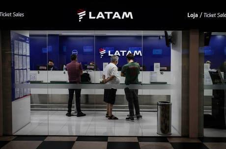 Cortes correspondem a 38% dos tripulantes da Latam