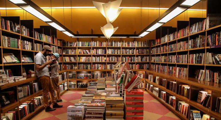 Brasileiro passará a ler menos ainda se Receita suspender isenção de impostos sobre livros