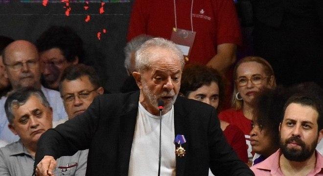 Somos e seremos oposição a esse governo de extrema-direita, diz Lula