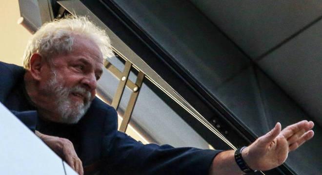 Na avaliação de advogada, soltura de Lula ainda pode ocorrer