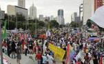 No Rio, o protesto está no início. A concentração ocorre no Monumento de Zumbi dos Palmares e seguirá pelas ruas do centro
