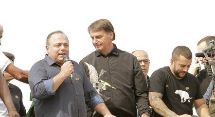 Pazuello em evento de domingo com Bolsonaro