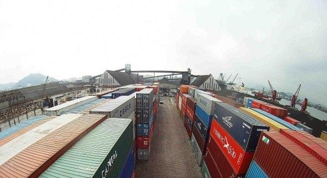 O importante porto de Santos