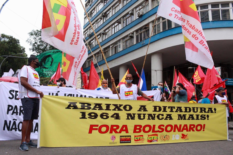 Centrais sindicais organizaram ato contra Bolsonaro no Rio